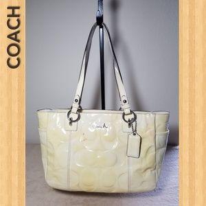 COACH Women's Tote Bag F17728